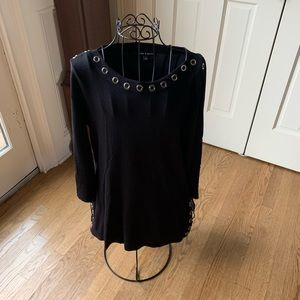 Long sweater with grommets